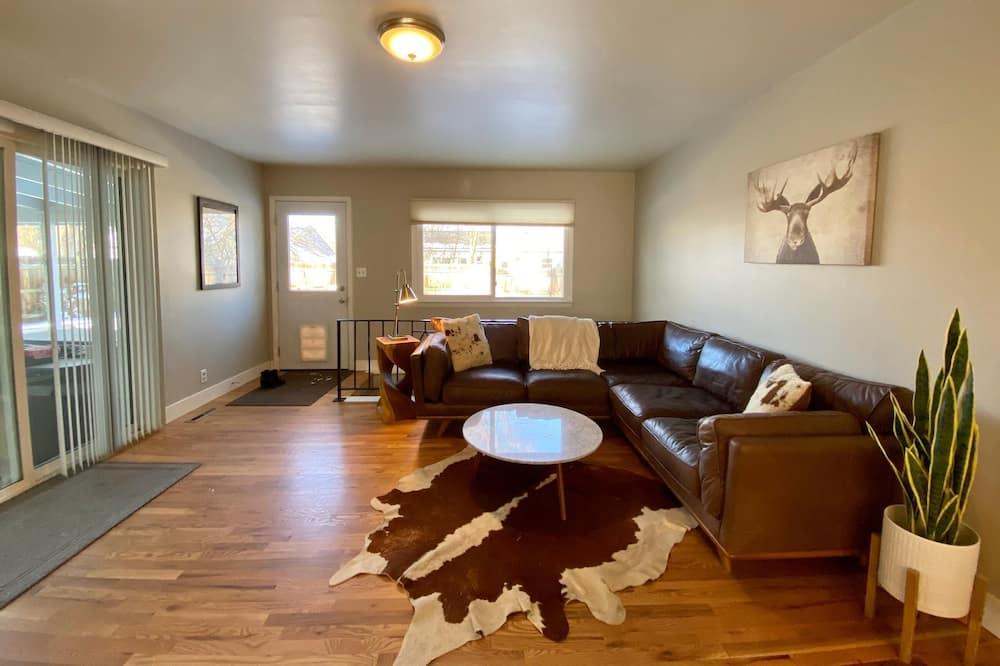 Dom, viacero postelí (1112 Cherry St., US) - Vybraná fotografia