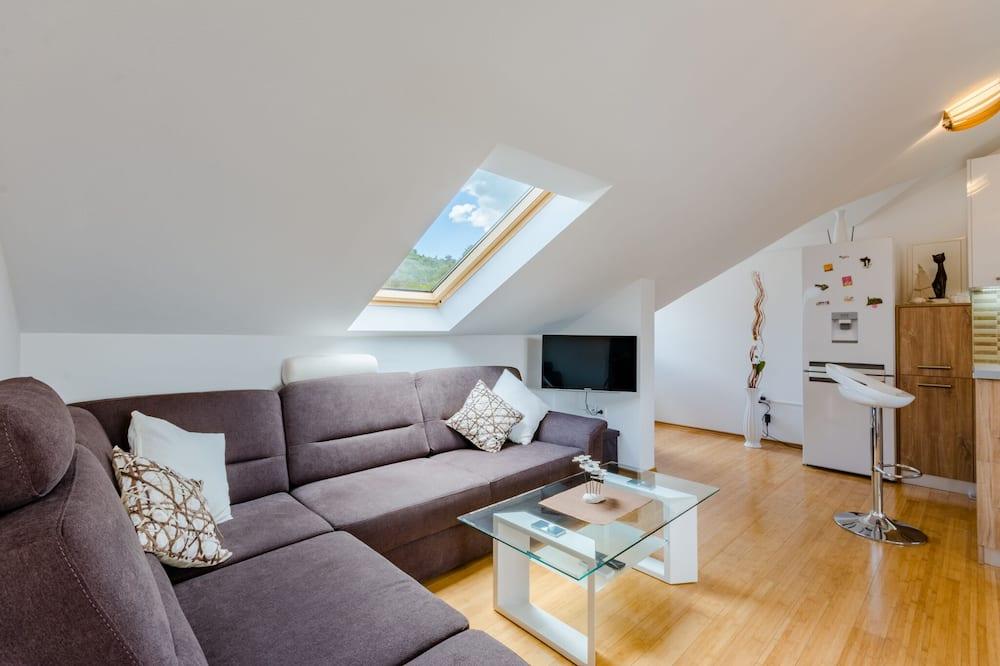 Apartmán (Two Bedroom Apartment) - Obývačka