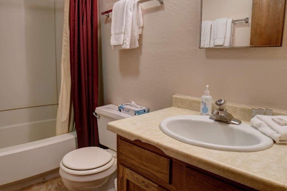 Byt, 1 spálňa - Kúpeľňa