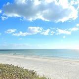 Byt, viacero postelí (Harbourside 5518 NEW Free Waterpark p) - Pláž
