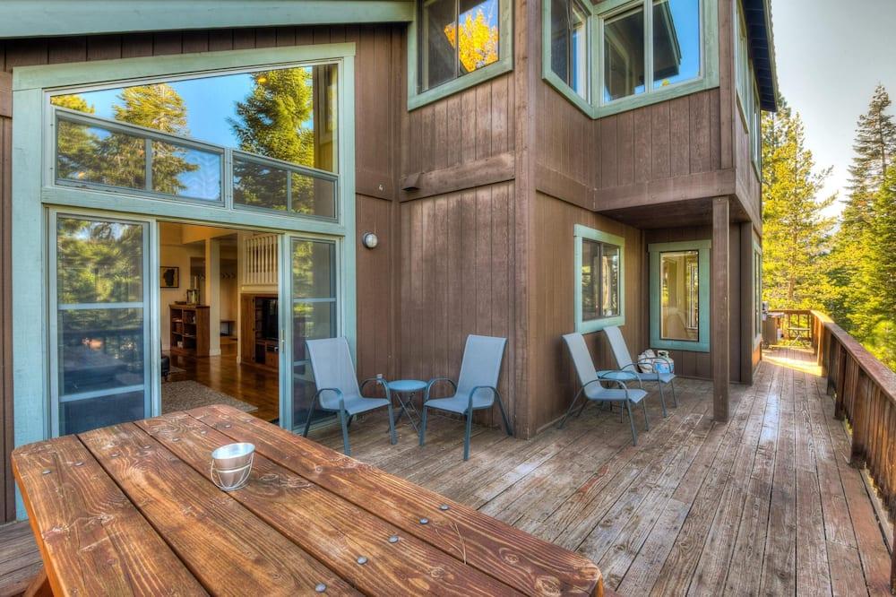 House, Berbilang Katil (Tahoe Mountain Retreat) - Balkoni