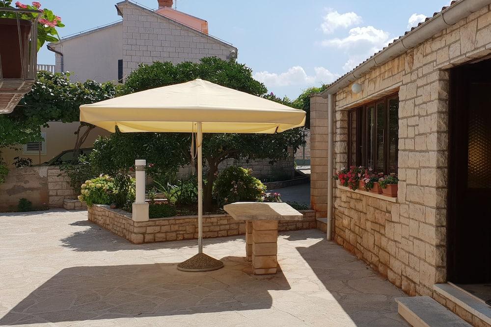 Departamento (Three Bedroom Apartment with Sea View) - Terraza o patio