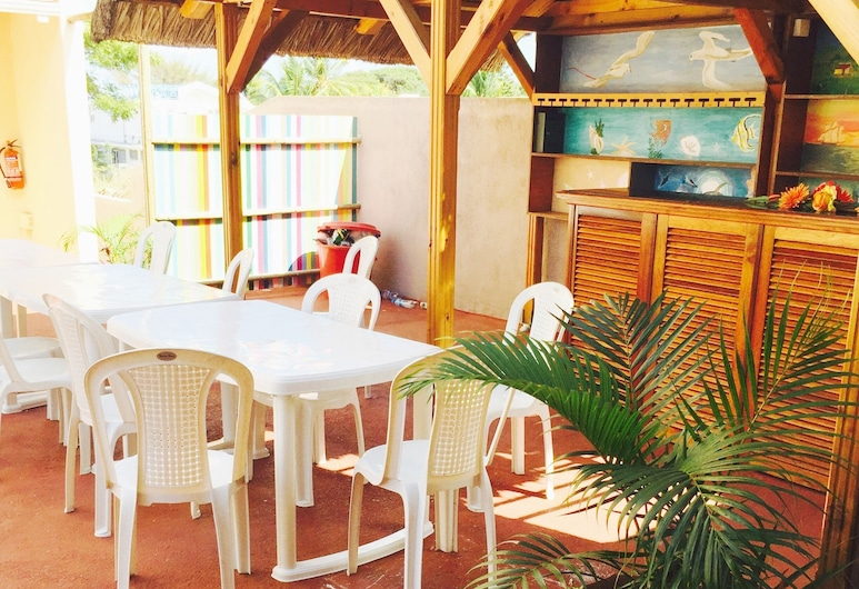 Fully Equipped and Autonomous Apartments 2 Pers for Exciting Holidays Near Beach, Flic-en-Flac