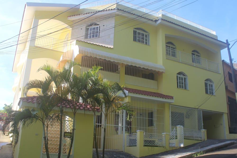 Sunhouse Samana Green Room, Dominican Republic