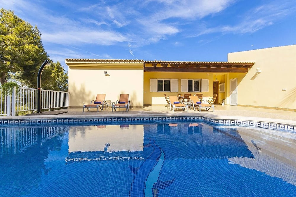 The Villa Located in Cala Vinyes, has a Private Pool, Calvia