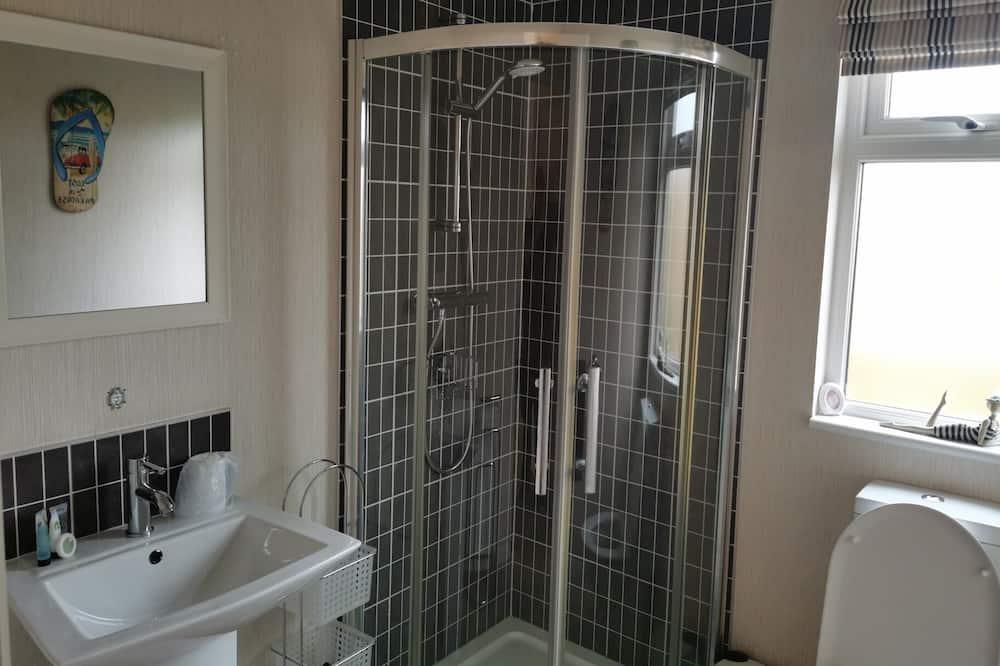 Chatka, 2 dvojlôžka - Kúpeľňa