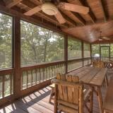 Cabin (Moose Crossing Lodge) - Balcony