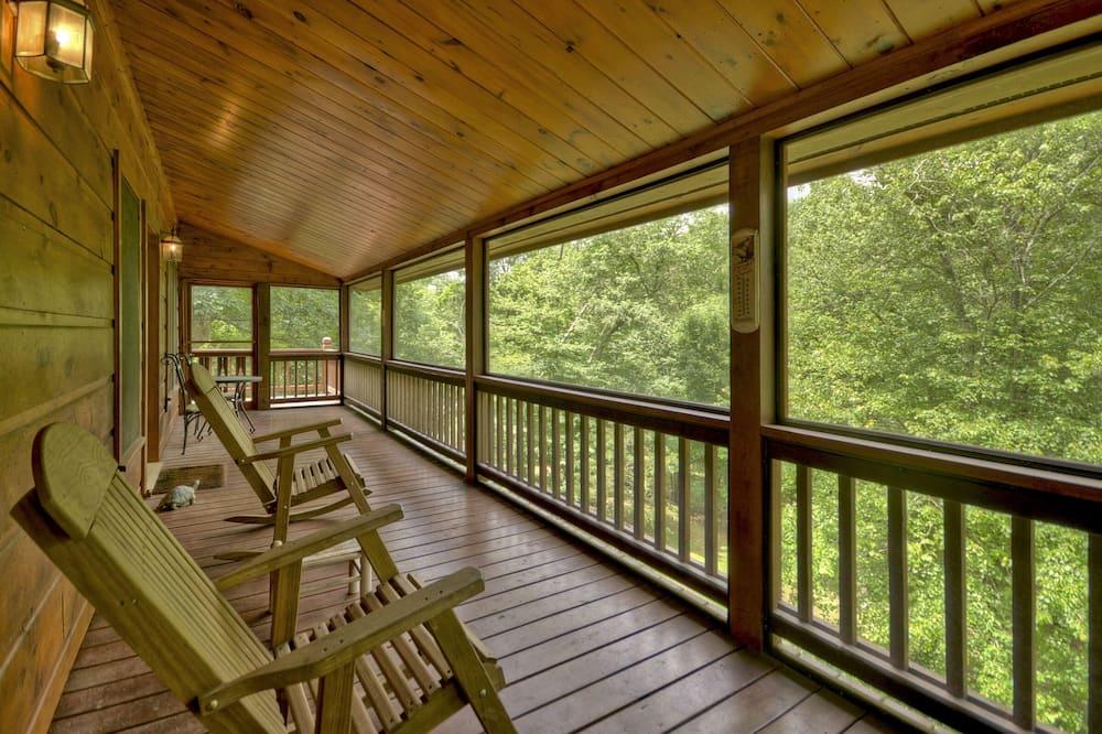 Cabin (Sugar Creek Retreat- Quaint Cabin in ) - Balkoni