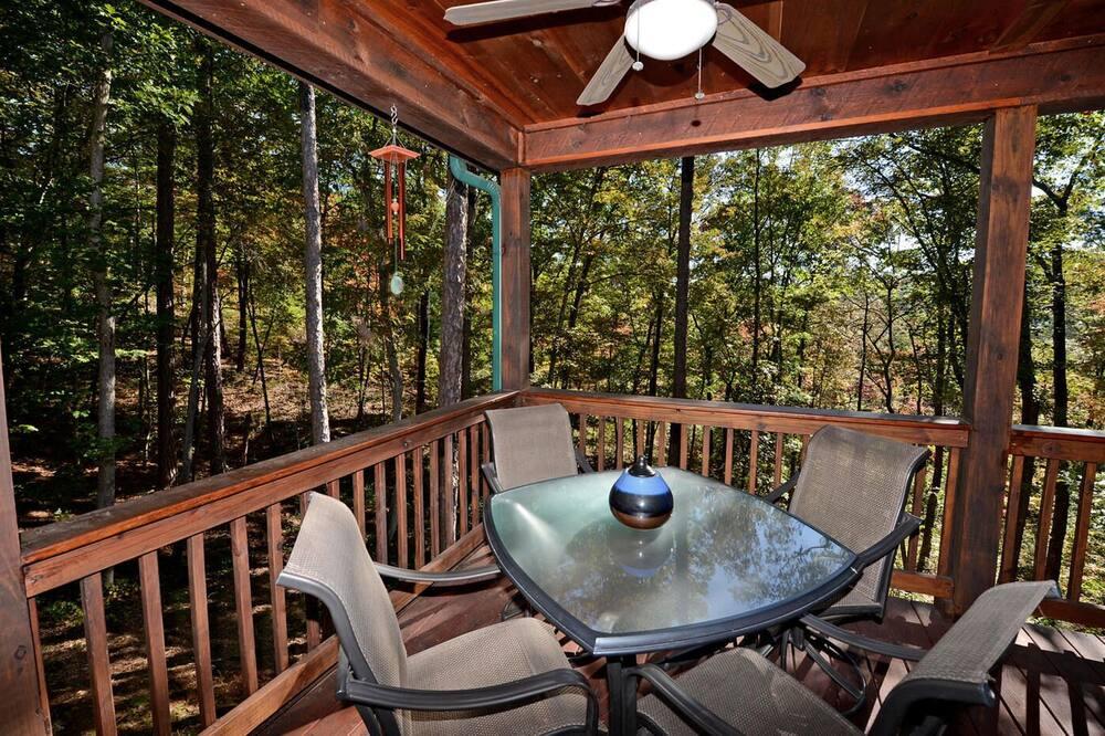 Chatka (100 Acre Wood- Blue Ridge 7 mi, near ) - Balkón