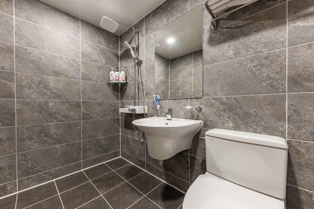 Izba (Massage Chair) - Kúpeľňa
