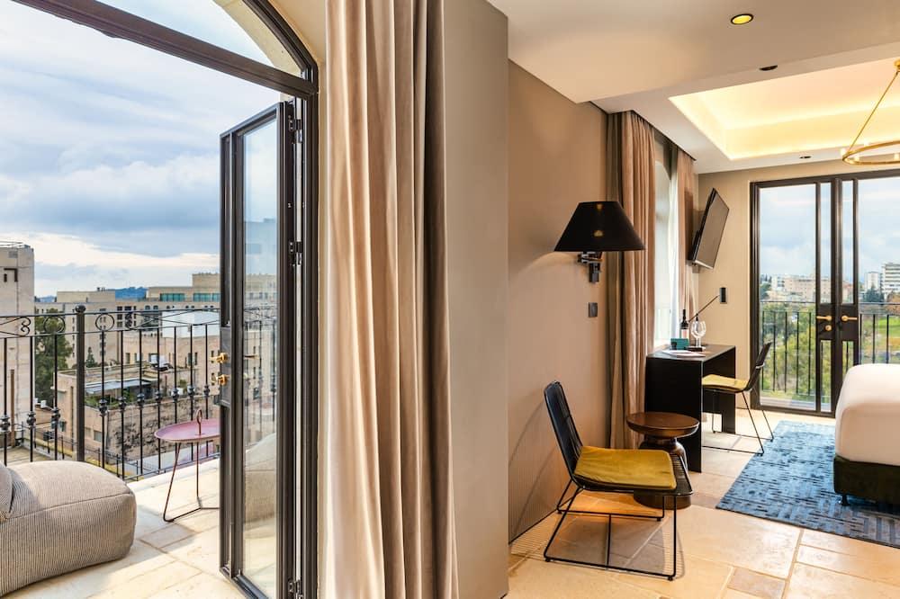 Deluxe Room with Balcony - Oda