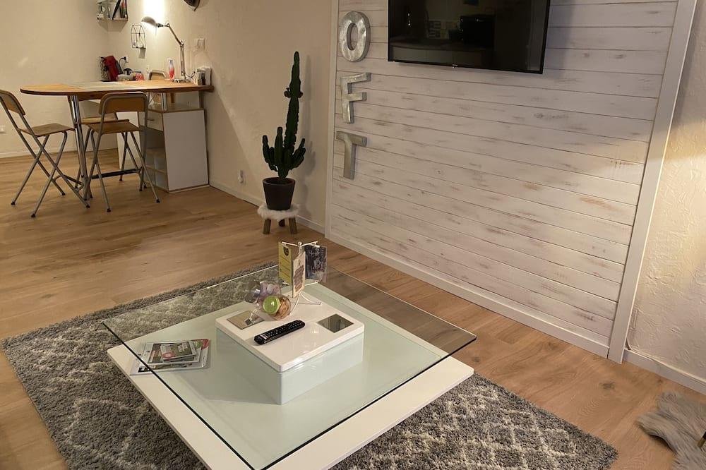 Comfort Apartment, 1 Queen Bed - Living Area