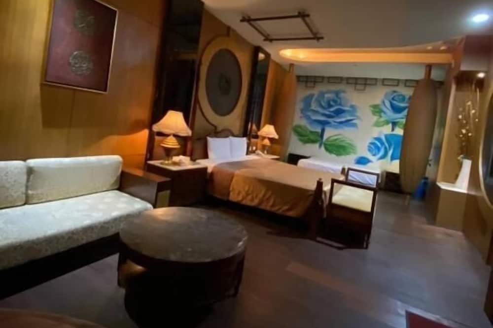 Deluxe Quadruple Room - Guest Room