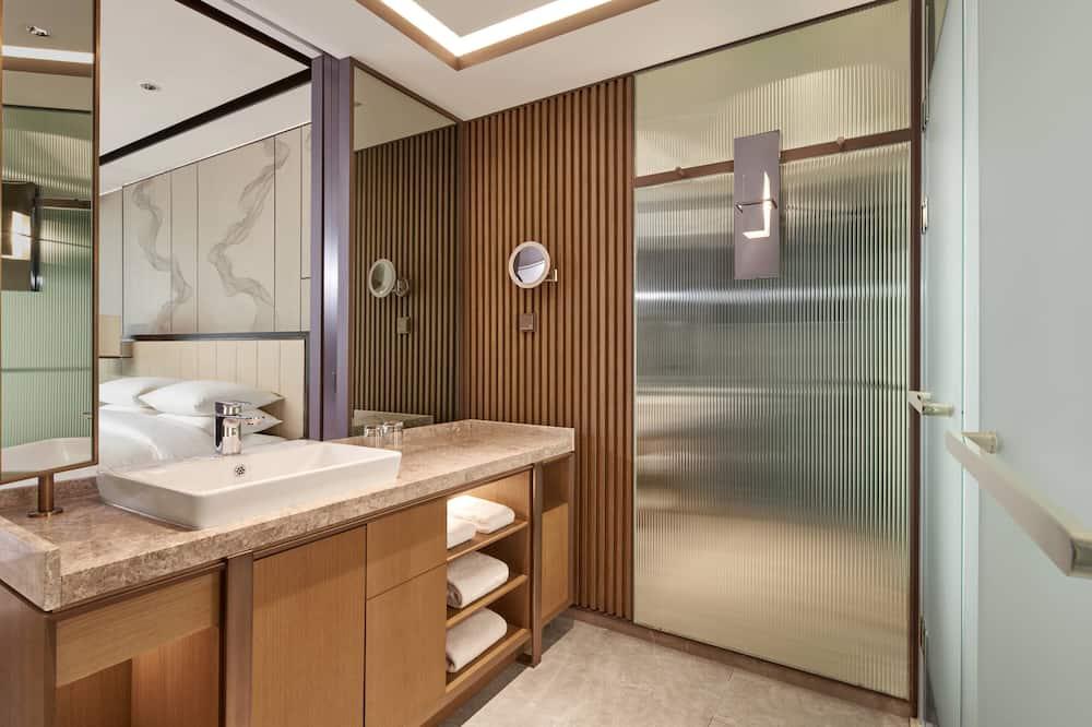 Premium-huone, 1 suuri parisänky, Tupakointi kielletty - Kylpyhuone