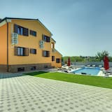 Modern Villa in Pula With Private Swimming Pool