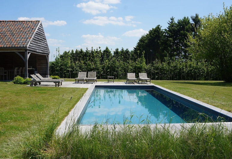 Stunning Castle in Perwez-haillot With Jacuzzi, Ohey, Pool