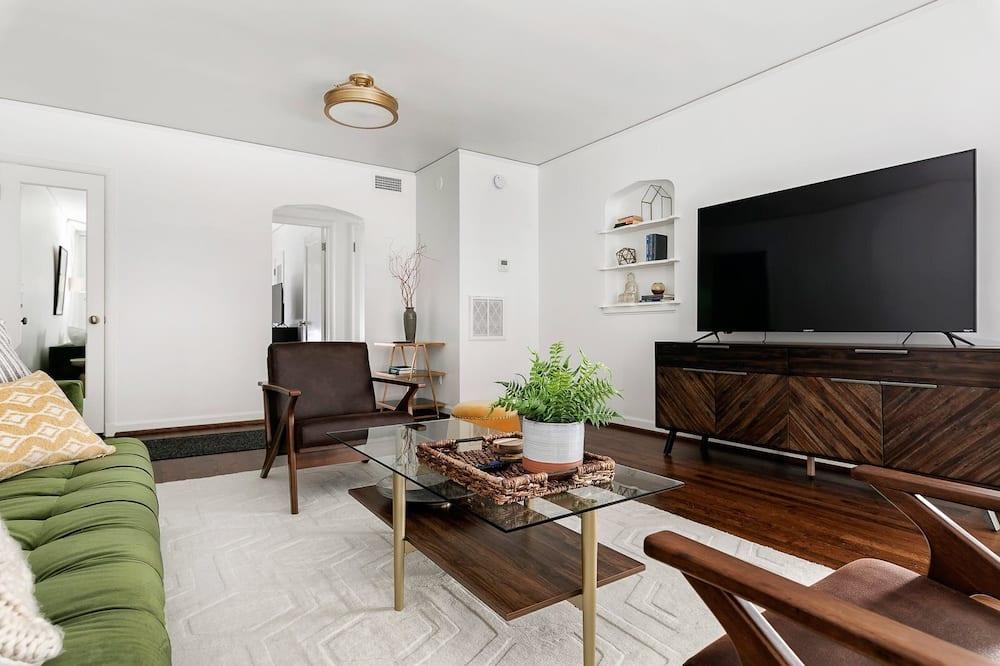 Condo (Baxter - Unit 6) - Living Room