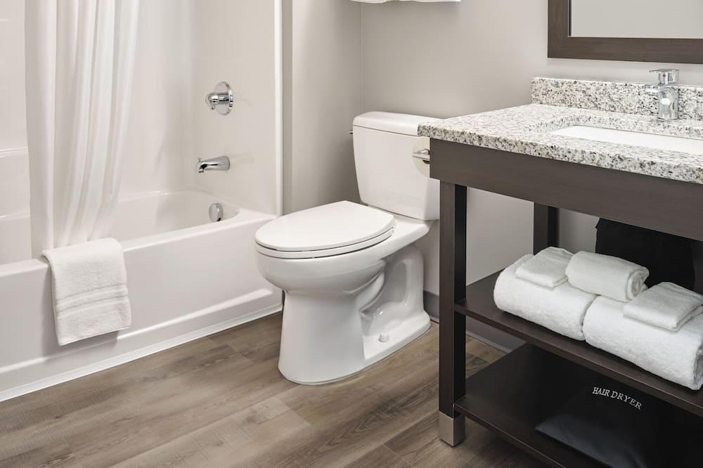 Double Queen Suite - ห้องน้ำ