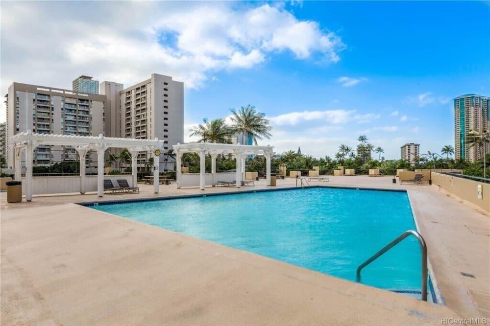 Apartamento (Executive Views   Penthouse Floor   R) - Piscina