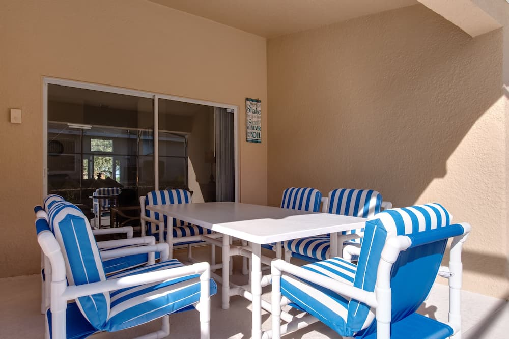 Vila (Private Pool, Foosball Table & Air Ho) - Balkonas