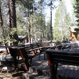 Cabin (Only 7 miles to Heavenly, Huge Deck, ) - Balcony