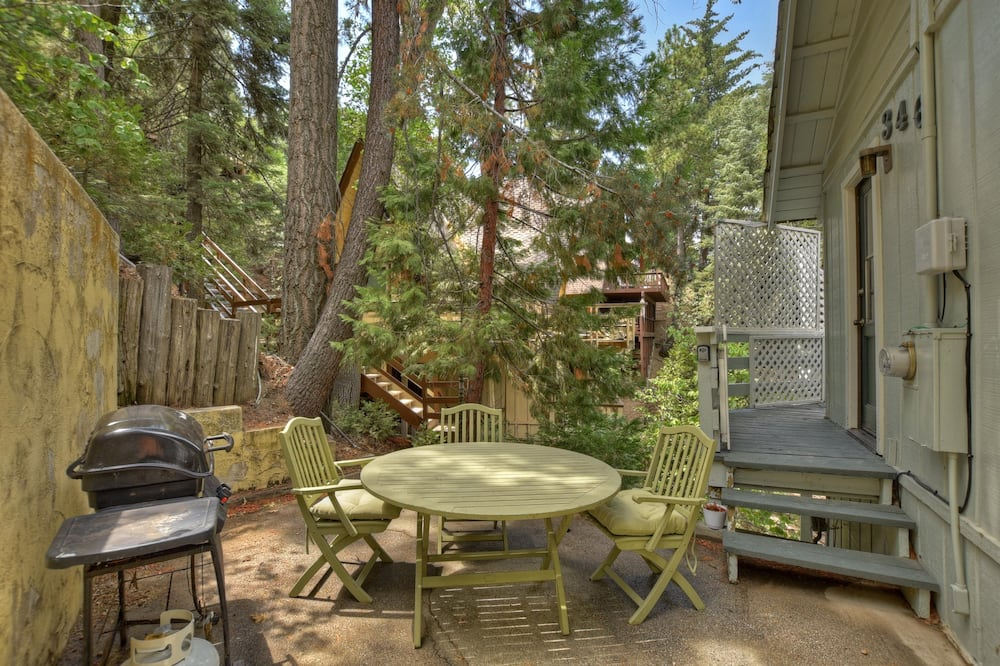 House (Emerald Cove Lodge - Lake View - Dog ) - Balcony