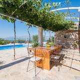 Villa (Two-Bedroom with Pool and Terrace) - Terraza o patio