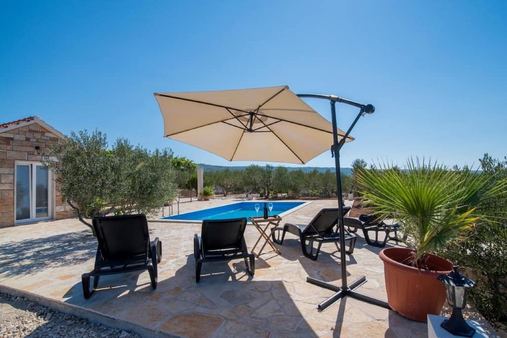 Villa (Two-Bedroom with Pool and Terrace) - Alberca