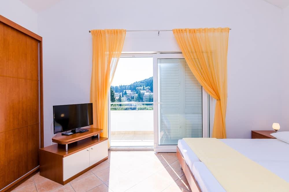 Студія (Studio Apartment with Balcony) - Номер