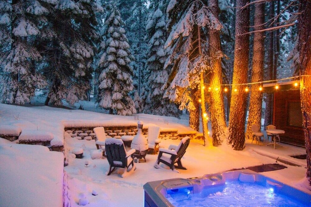 獨棟房屋 (Shady Pines | Pet-friendly | Hot Tub) - 游泳池