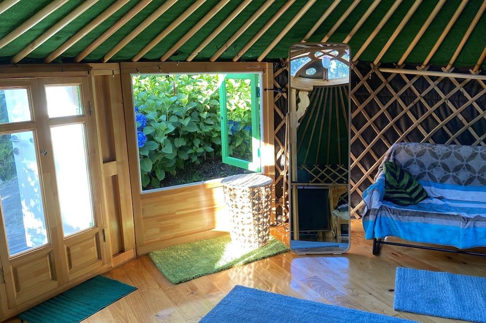 Cabin, 1 Queen Bed - Living Room