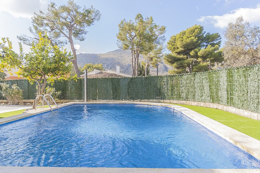 Beautiful Villa With Pool In Puerto Alcudia