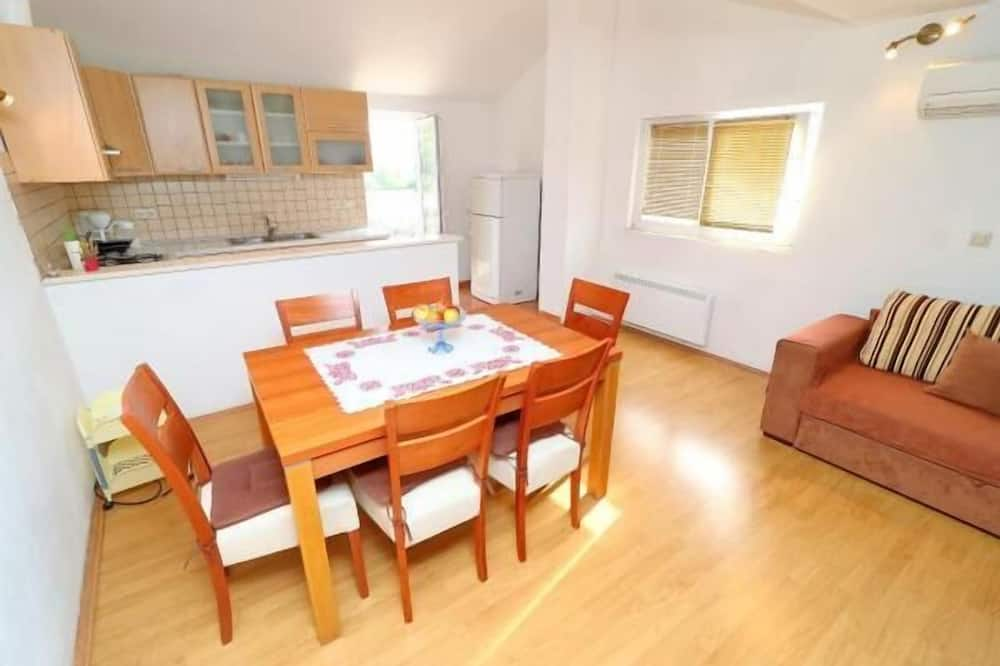 Apart Daire (Two Bedroom Apt with Balcony) - Odada Yemek Servisi