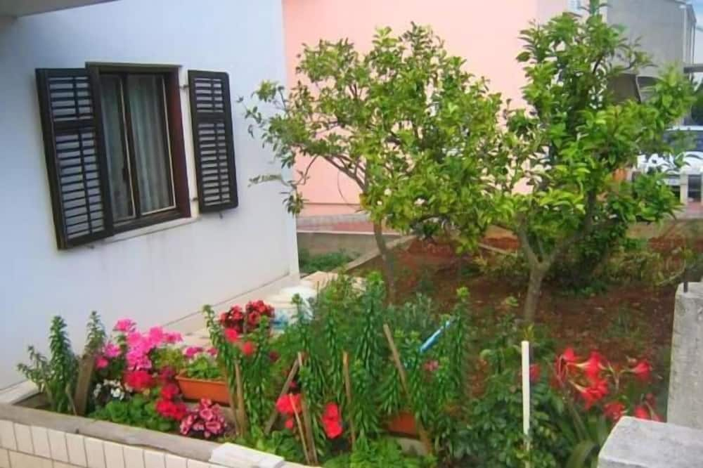 Apart Daire (Two Bedroom Apt with Balcony) - Bahçe
