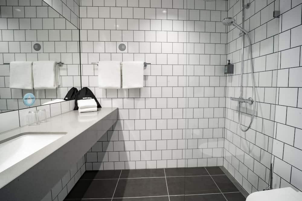 Double Room (Moderate) - Bathroom