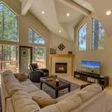 House (Lake Alice at Tahoe | Ski Run Marina ) - Living Room