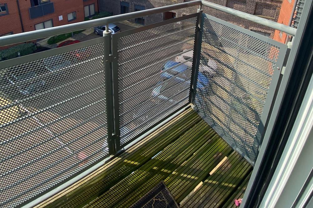 Luxury Penthouse, Private Bathroom - Balcony View