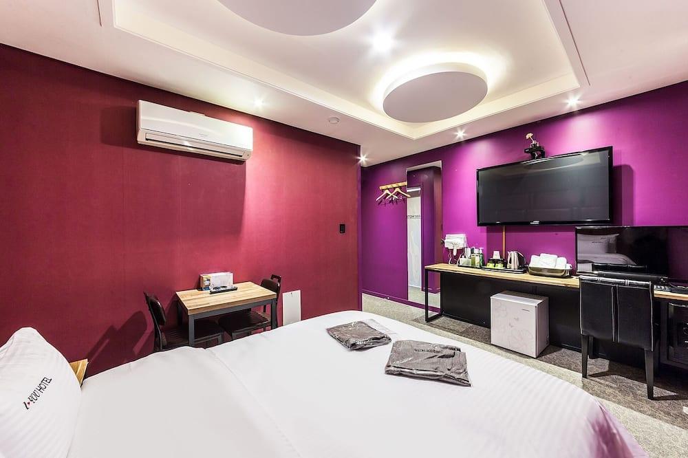 Zimmer (SemiSuite Room ANetflix NoHard  Spa) - Zimmer