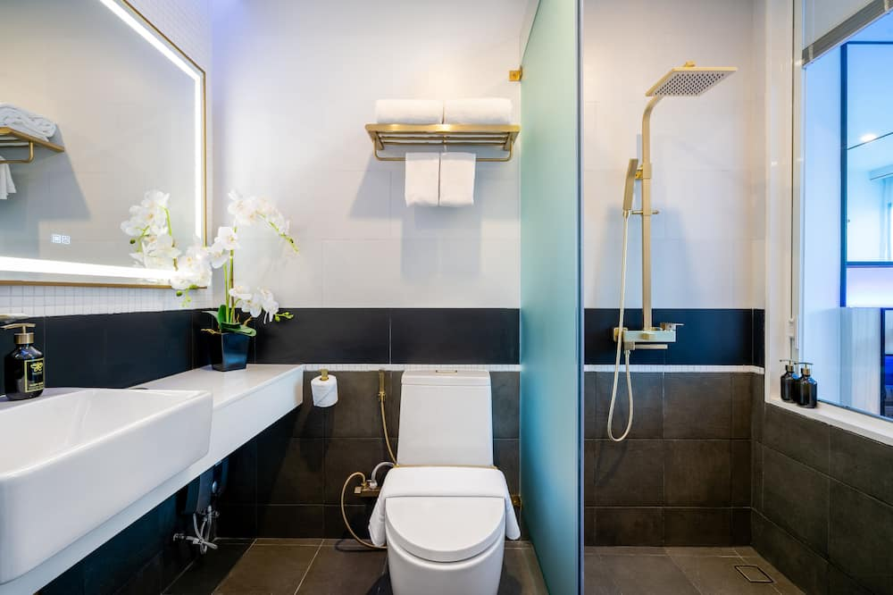 Classic Twin - Bathroom