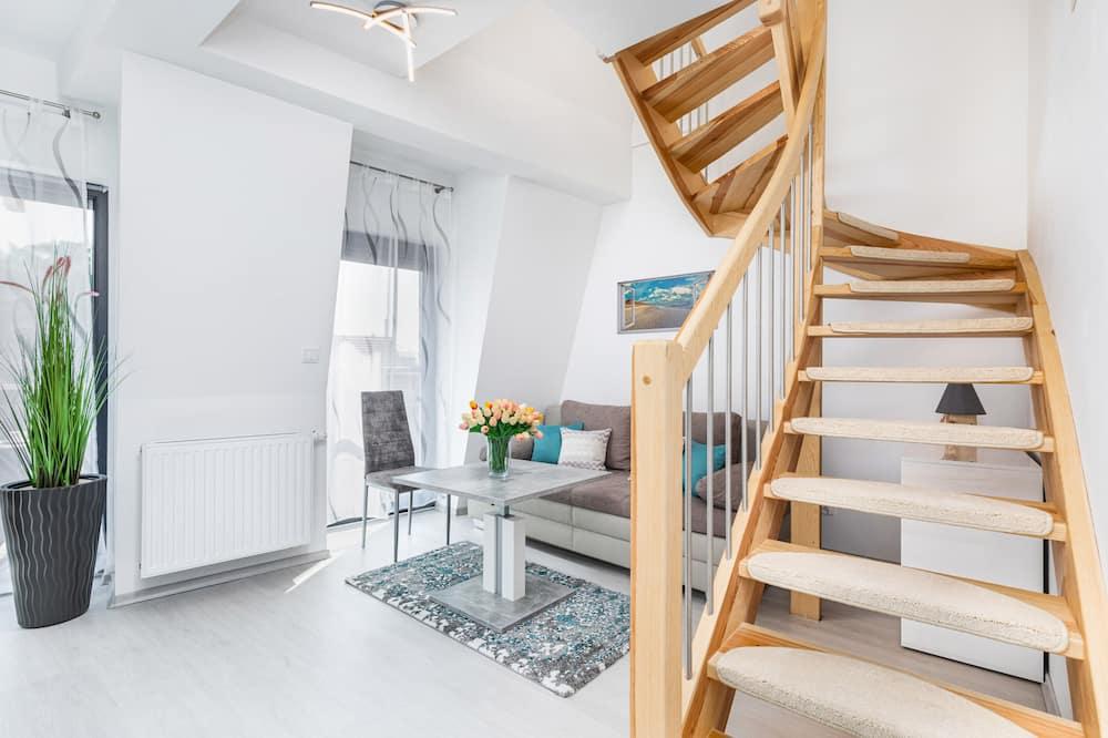 Apart Daire, 1 Yatak Odası, Balkon, Plaj Kenarı - Oturma Alanı