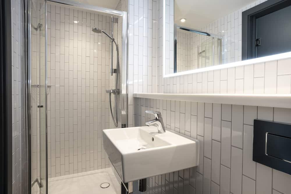 Comfy Double Room - Bathroom