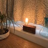 Premium Studio Suite, 1 King Bed, Terrace, Garden View - Room