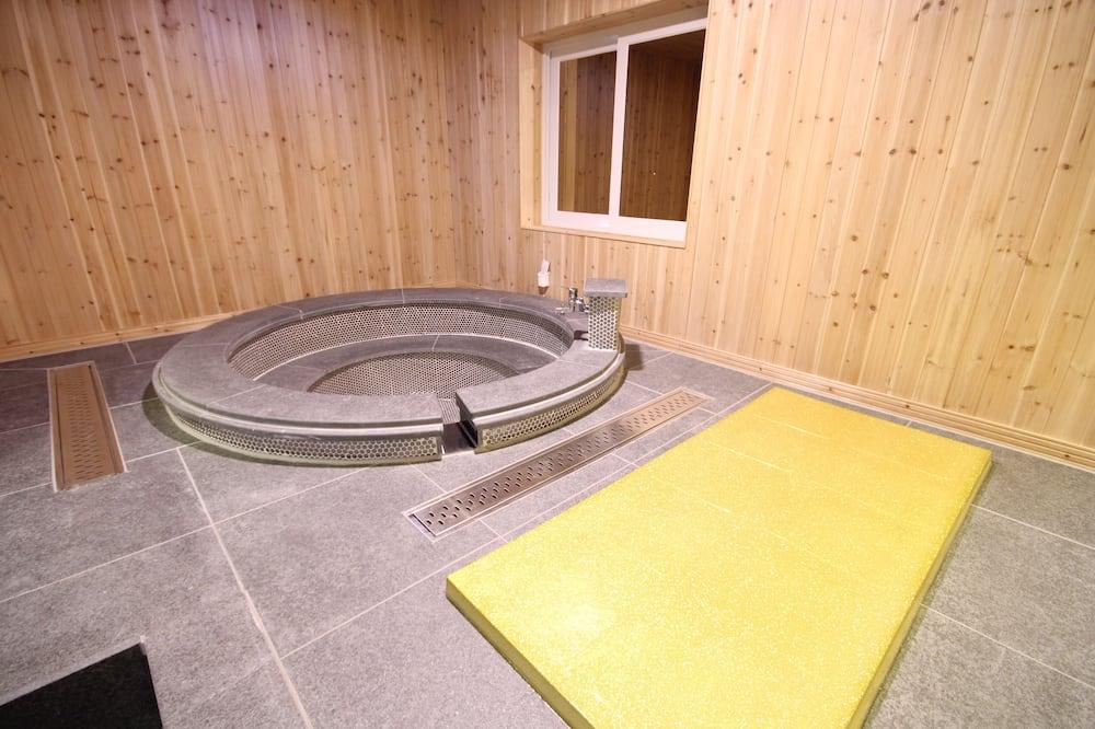 VVIP - Private spa tub