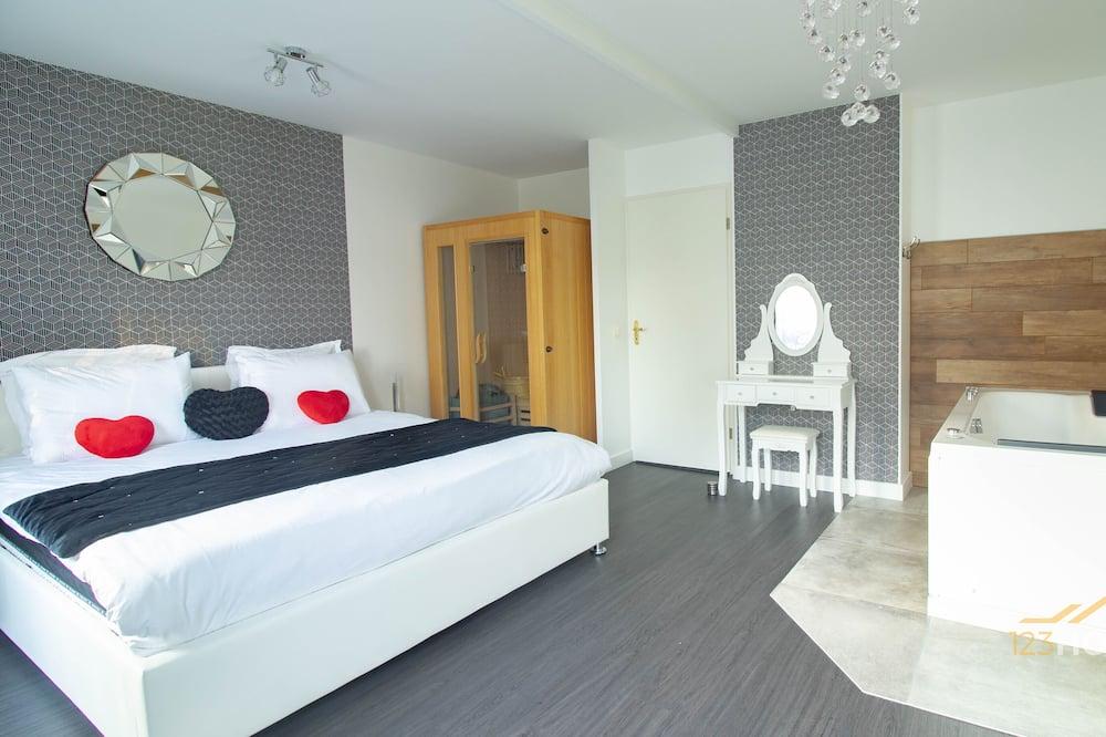 شقة ديلوكس - بحمام داخل الغرفة - منظر للحديقة (Suite & spa 2) - الغرفة