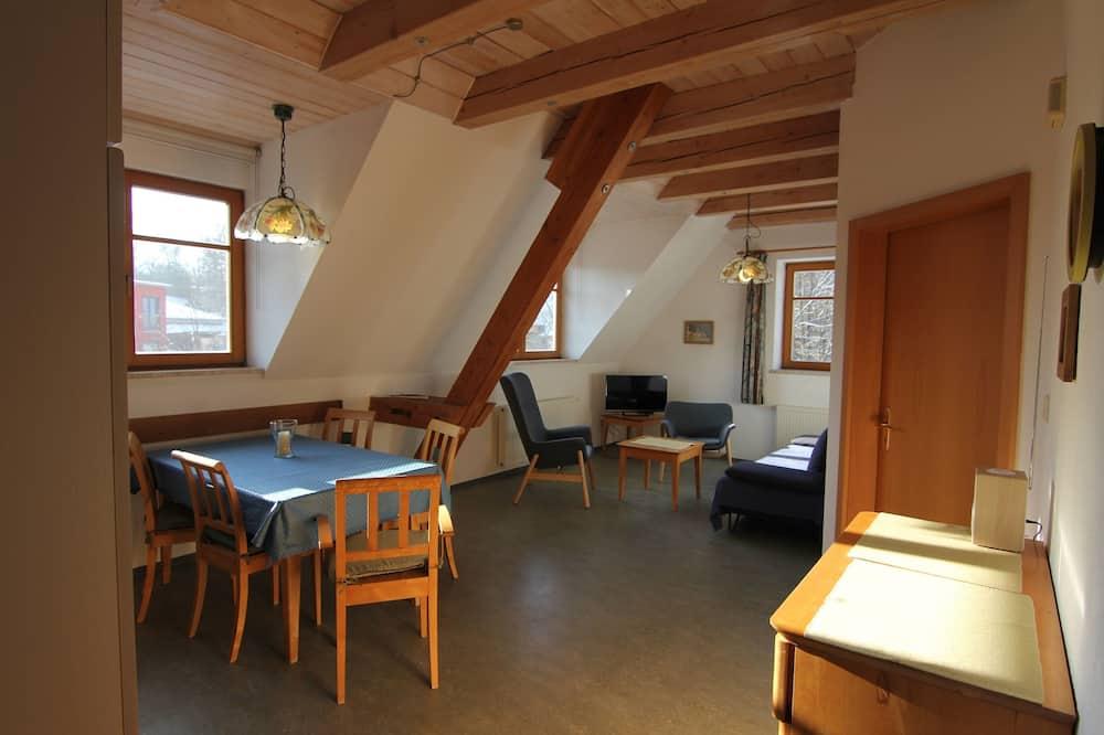 Soukromý byt, 2 ložnice - Obývací prostor