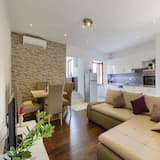 شقة (Three-Bedroom Apartment with Terrace) - غرفة معيشة