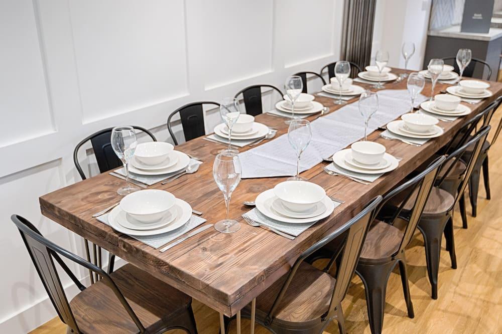 Casa - Servicio de comidas en la habitación