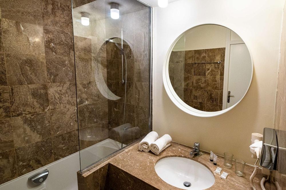 Classic-huone, 3 yhden hengen sänkyä, Tupakointi kielletty - Kylpyhuone