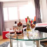 Apartment (Two Bedroom Apartment with Balcony) - Wohnzimmer