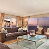Classic House - Living Area
